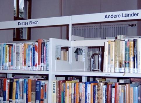 Ein Buchhandlung, die sich mit Ländern beschäftigt.