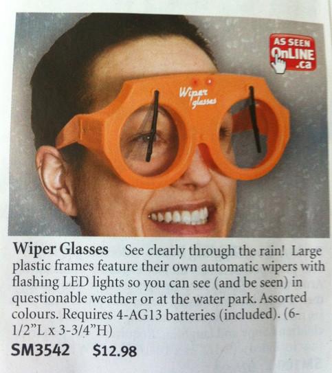 Ein Prospekt mit dem Angebot einer Brille mit Scheibenwischern. Mit dieser kann man auch im Regen gut sehen, außerdem hat sie LED-Lampen.