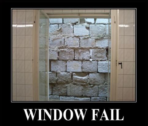 Ein Fenster ist von außen zugemauert.