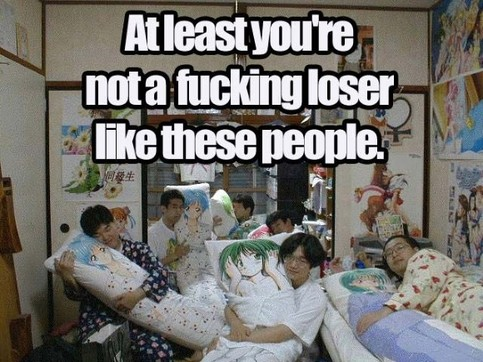"Eine Gruppe Chinesen kuschelt mit Kissen. ""At least you're not a fucking loser like these people""."