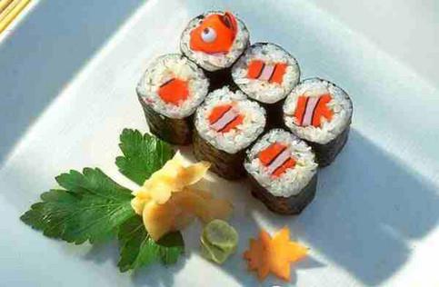 Nemo zerstückelt in Sushi.