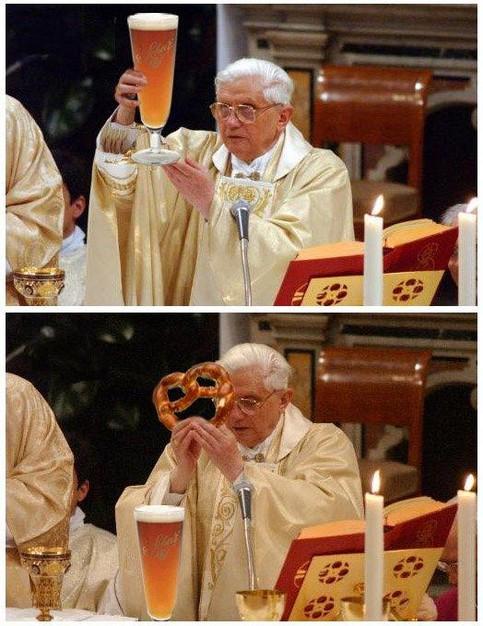 Papst Benedikt XVI. verwendet für eine Messe Bier und Brezel.