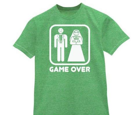 Ein T-Shirt: Hochzeit - Game Over!