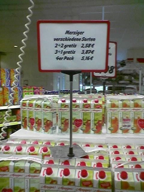 Ein unsinniges Angobt für Fruchtsaft mit unlogischen Staffelpreisen.